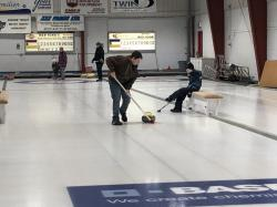 Picture number 2 from the photo album called Curling